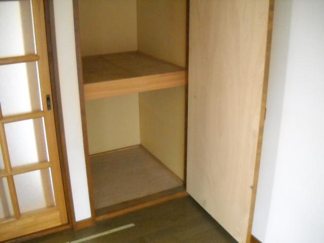 VILLA ITO No1・2 1-203号室の収納