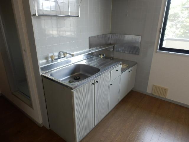 サンライフサワダ B201号室のキッチン