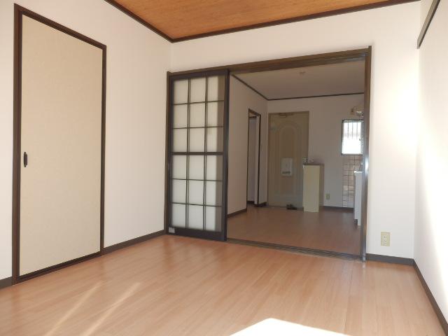 イーストヒルズ A201号室の居室