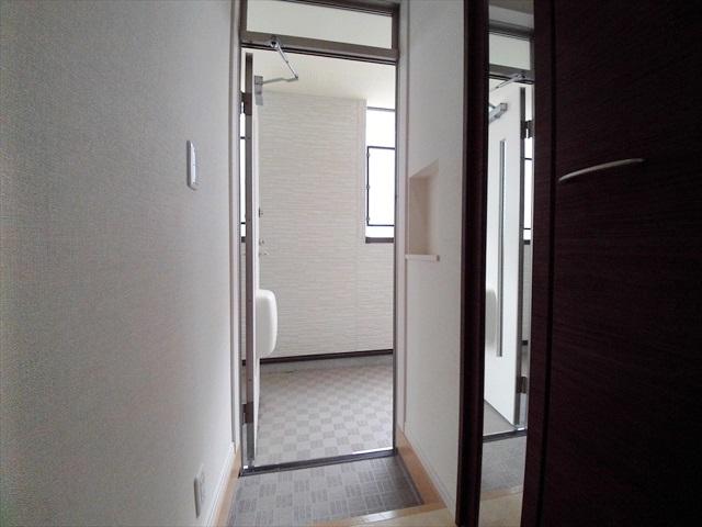 スプリーン 203号室の玄関