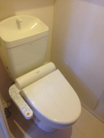 クレスト登戸 101号室のトイレ