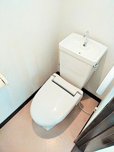 かわむらハウス 202号室のトイレ
