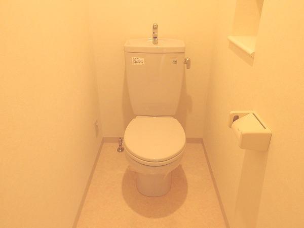 プレジール立川 205号室のトイレ