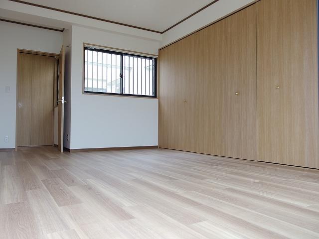 グランバリュー立川 602号室の居室