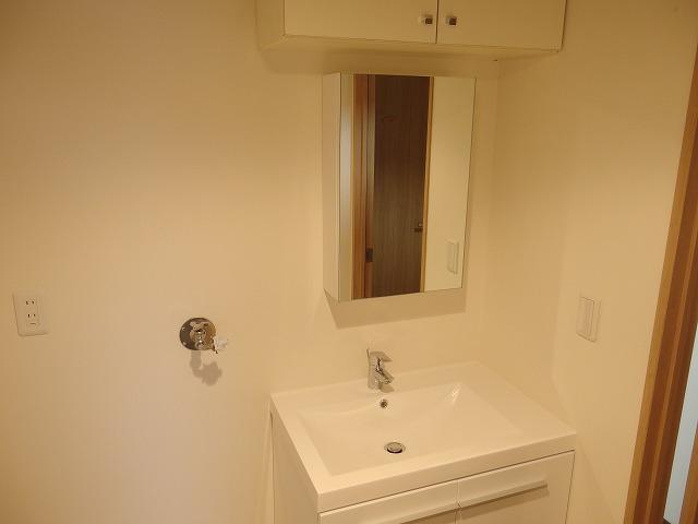 グランバリュー立川 602号室の洗面所