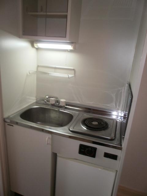 センチュリー目黒原町 203号室のキッチン
