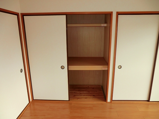 シャトーホソダA 203号室の収納