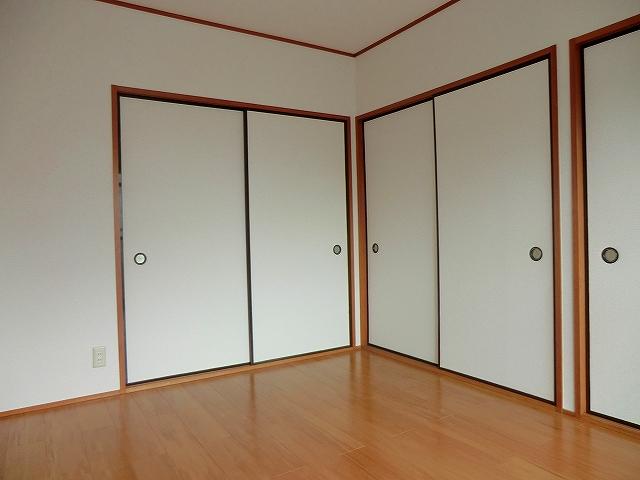 シャトーホソダA 203号室のベッドルーム