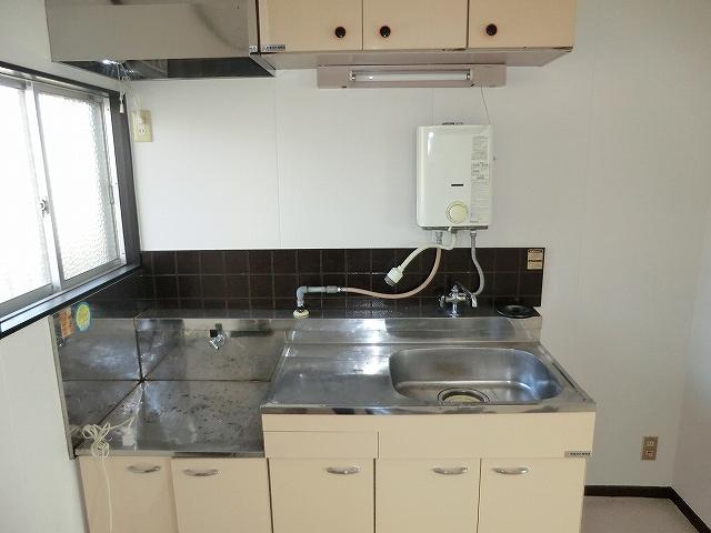STハウス宗岡1号棟 201号室のキッチン