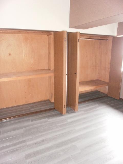 ビューラーあけぼの 102号室の収納