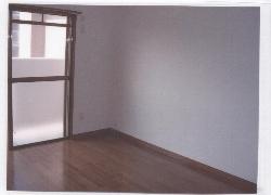 ビューラーあけぼの 102号室のリビング