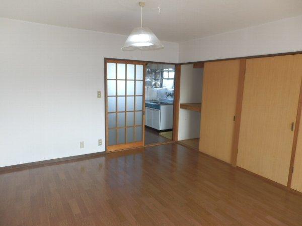 スカイハイツB 302号室の収納