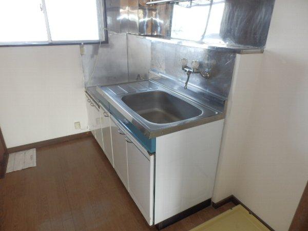 スカイハイツB 302号室のキッチン
