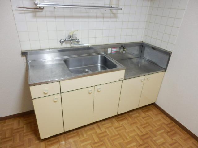 セントラルハイツ 301号室のキッチン