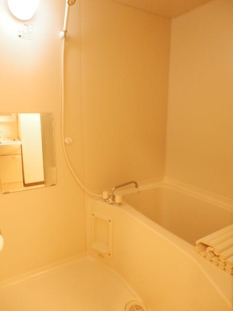 カームテラス御幸A 302号室の風呂