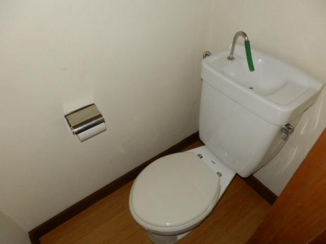 庭園荘 2号室のトイレ