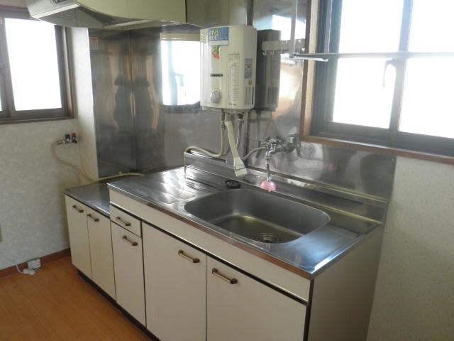 レジデンス根本 205号室のキッチン