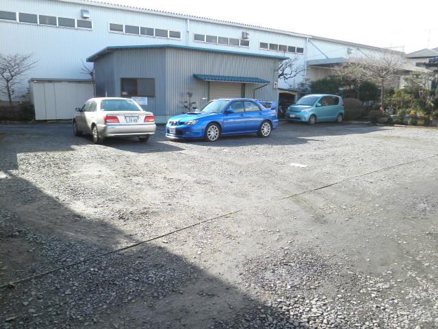 レジデンス根本 205号室の駐車場