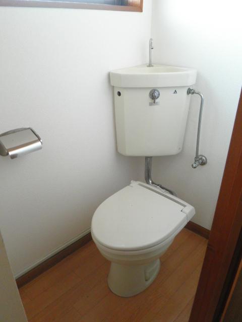 レジデンス根本 205号室のトイレ