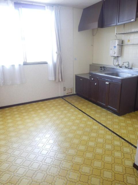 池嶋ハイツ 201号室のキッチン