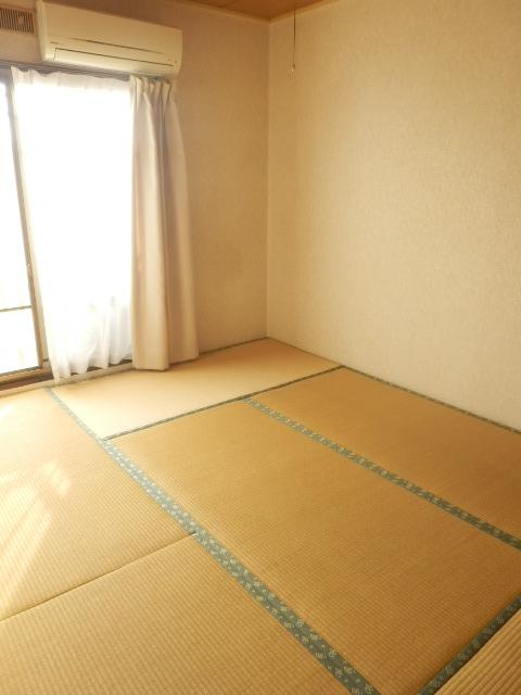池嶋ハイツ 201号室のリビング