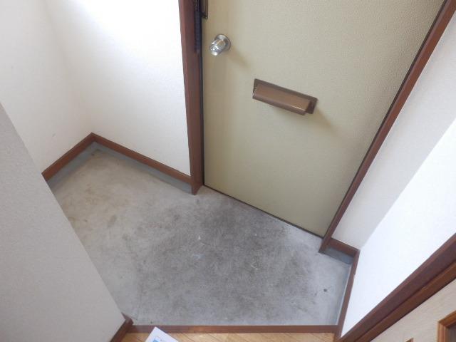 泉ハイツ 209号室の玄関
