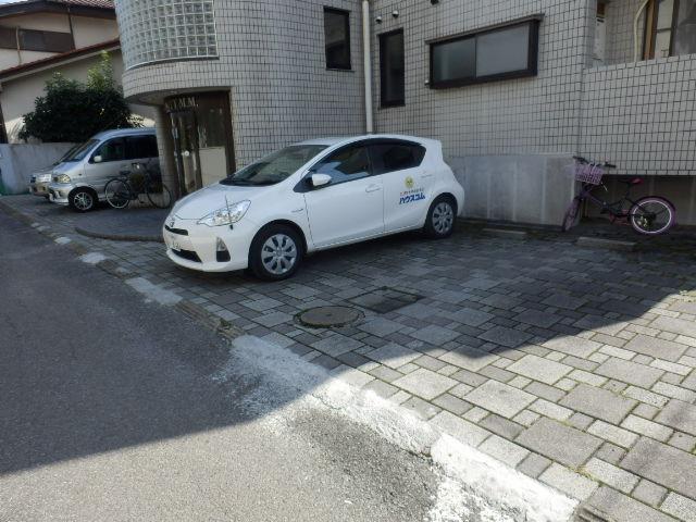 URBANITY M・M 102号室の駐車場