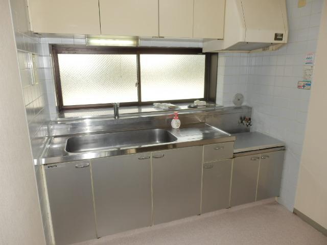 URBANITY M・M 102号室のキッチン