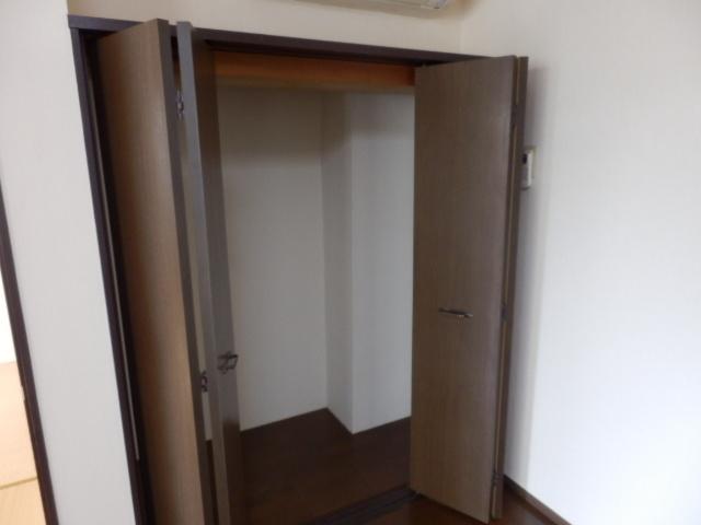 URBANITY M・M 102号室の収納