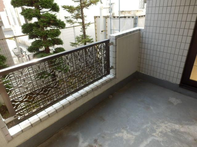 URBANITY M・M 102号室のバルコニー