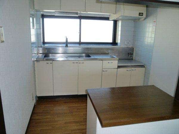 URBANITY M・M 302号室のキッチン