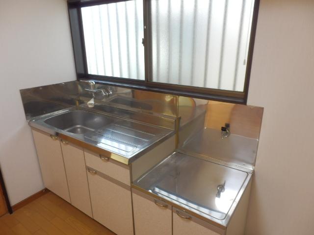 ソーラーみゆきⅠ・Ⅱ 205号室のキッチン