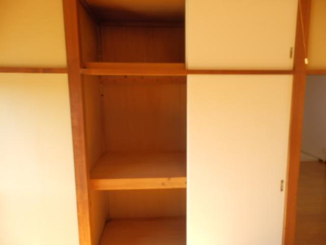 ソーラーみゆきⅠ・Ⅱ 205号室の収納