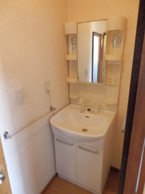 ソーラーみゆきⅠ・Ⅱ 205号室の洗面所
