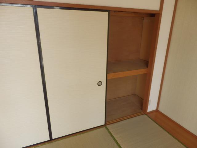 プラトー藤 101号室の収納