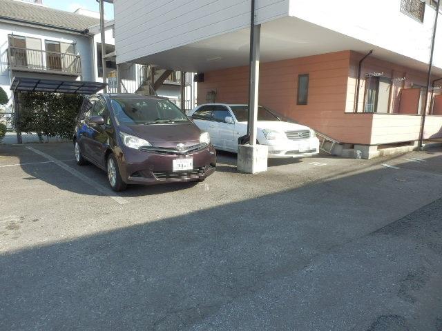 コーポM 205号室の駐車場