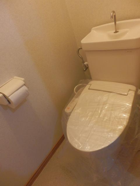 コーポM 205号室のトイレ