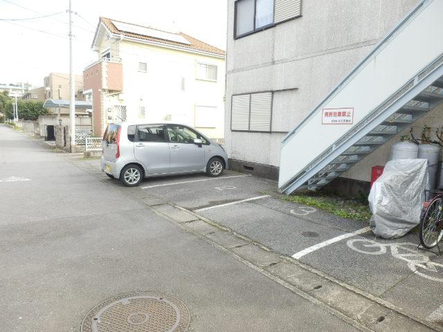 陽南コーポ2 107号室の駐車場