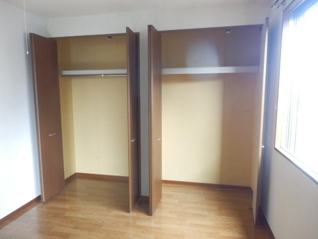 T.クレストA・Bハウス B202号室の収納