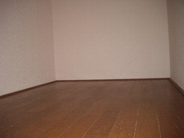 ウイングヴィラ 204号室の居室