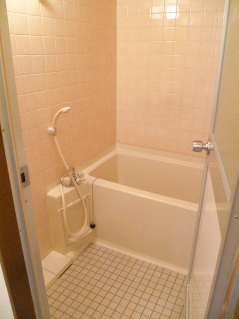 ヒルサイドテラス上溝 602号室の風呂