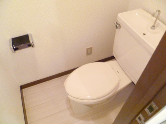 ヒルサイドテラス上溝 602号室のトイレ