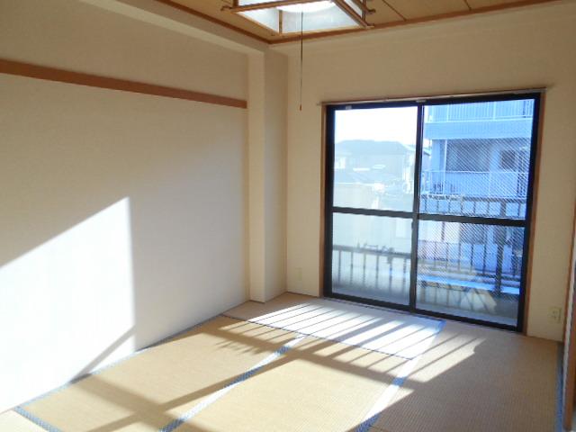 原第7マンション 207号室の居室