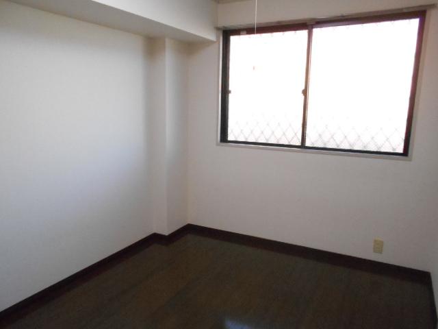 原第7マンション 207号室のリビング
