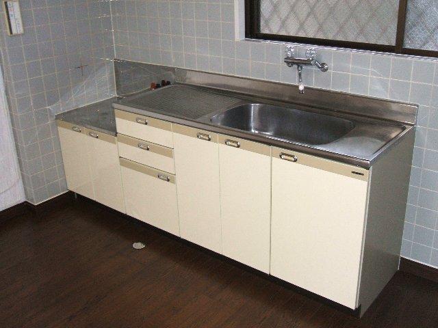 原第6マンション 203号室のキッチン