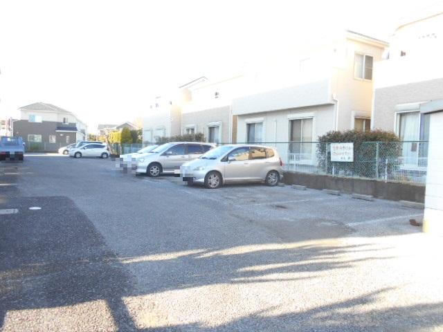 原第3マンション 107号室の駐車場