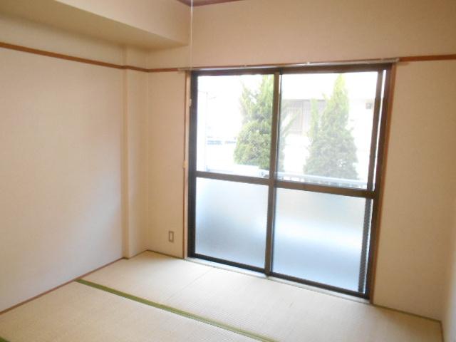 原第3マンション 107号室の居室
