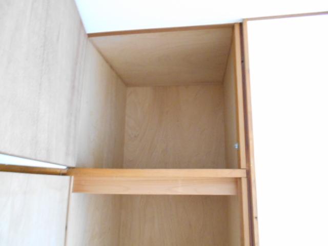 岡本ハイツ 103号室の収納