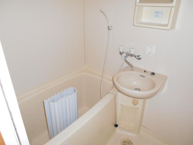 岡本ハイツ 103号室の風呂