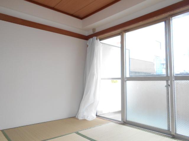 メゾン福嶋 2F号室の居室
